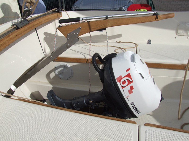 [Imagen: BC23-Outboard-Well.jpg]